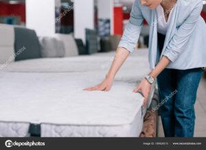 Bí Kíp Mua Nệm Chuẩn Nhất Từ Chuyên Gia depositphotos 190924310 stock photo touching orthopedic mattress