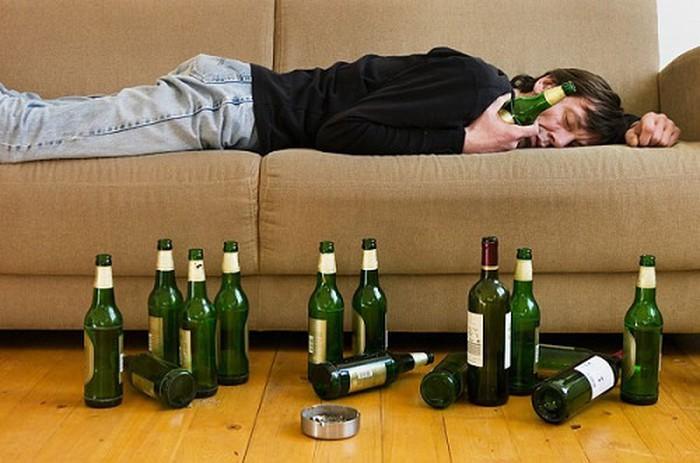 Hé Lộ 3 Thời Điểm Bạn Không Nên Đi Ngủ ngu khi say