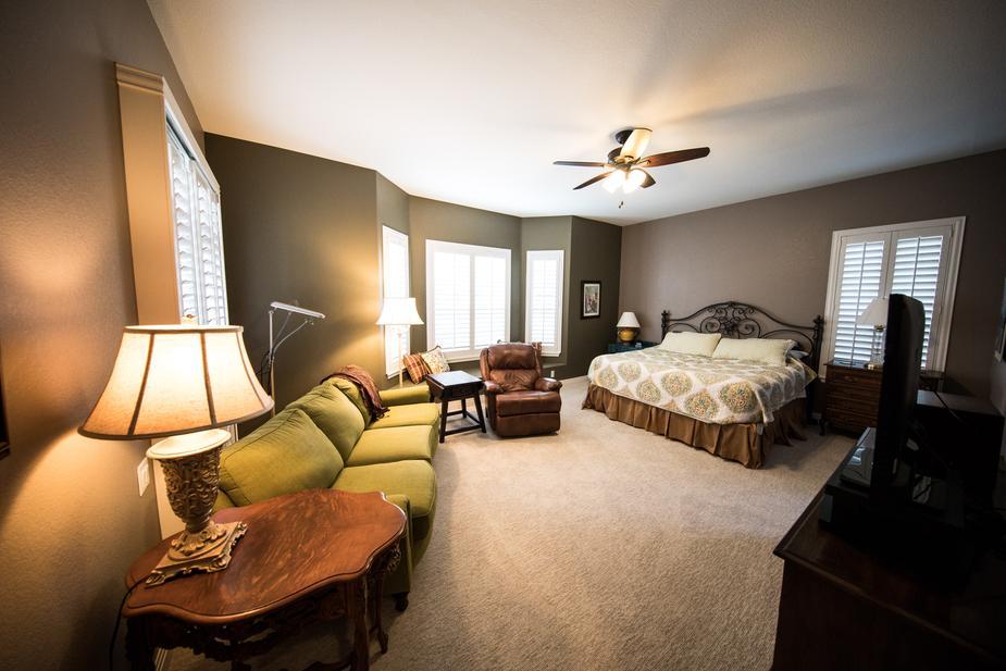 4 mẹo dọn dẹp phòng ngủ đơn giản mà hiệu quả