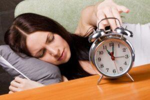 Hay buồn ngủ biểu hiện điều gì? Cách chống buồn ngủ hữu hiệu ngu nhieu the hien gi